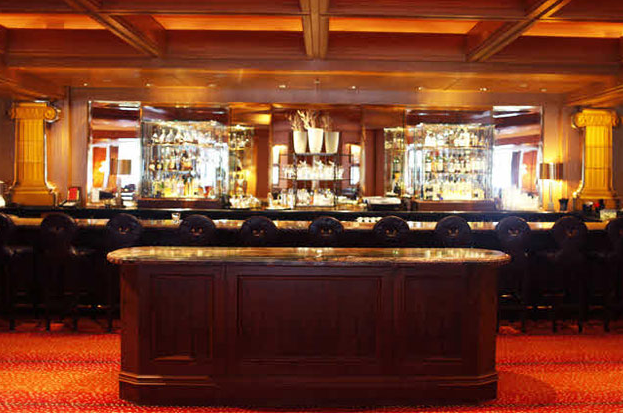 Bar Dining at the Bristol Lounge, Four Seasons, Back Bay